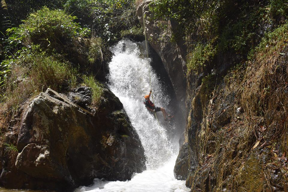 Canyoning Dalat - an adventure game that foreign tourists like to experience