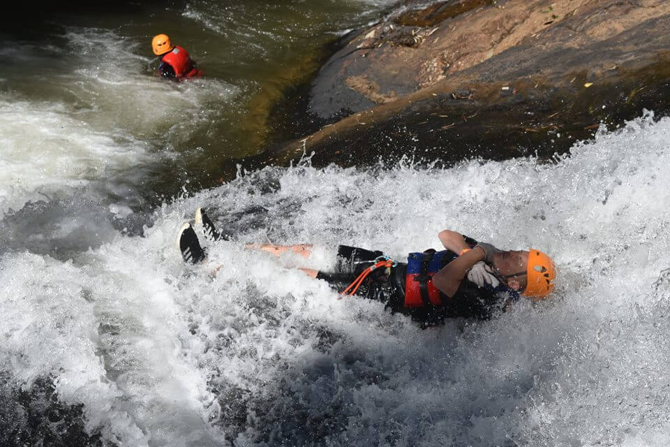 Come to Canyoning, you will experience many kinds of strong feelings