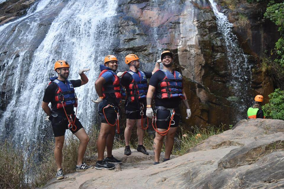 Experience Canyoning with the team-tremendous power