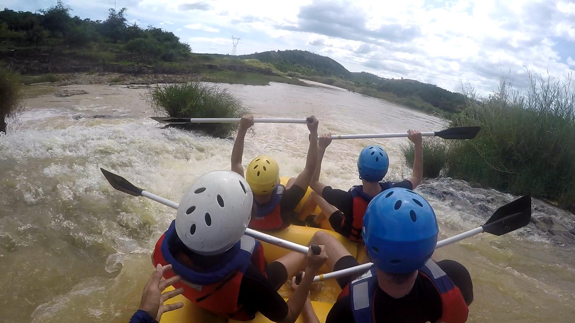 Interesting experiences at Datanla Dalat - white water rafting